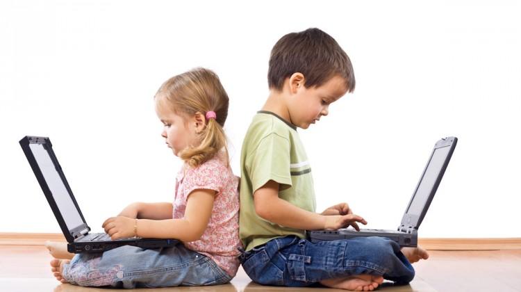 Chatrooms de l'adolescence et